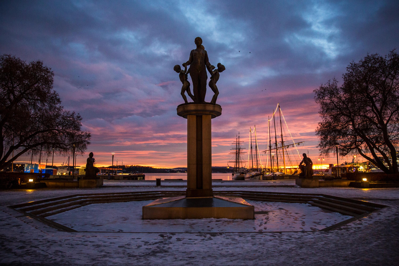 January 7 - Emil Lies fonteneskulptur, Oslo
